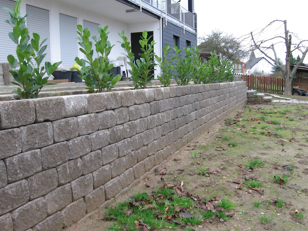 naturstein granit findlinge mauerabdeckung pflaster von teichbau moseler ihr spezialist. Black Bedroom Furniture Sets. Home Design Ideas